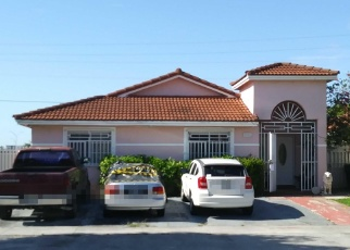 Foreclosed Home en NW 111TH TER, Hialeah, FL - 33018
