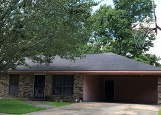 Foreclosed Home in KERRY DR, Baton Rouge, LA - 70814