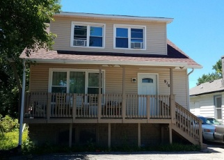 Foreclosed Home in N CEDAR LAKE RD, Round Lake, IL - 60073