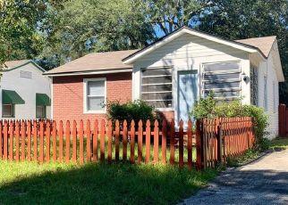 Foreclosed Home en E 48TH ST, Jacksonville, FL - 32208