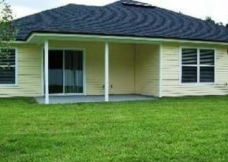 Foreclosed Home en SANWICK DR, Jacksonville, FL - 32218