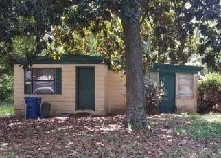 Foreclosed Home en WOOSTER DR, Jacksonville, FL - 32218