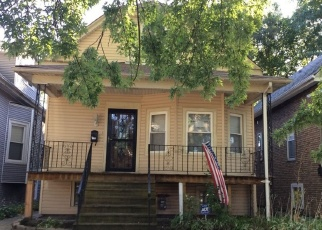 Foreclosed Home en N LECLAIRE AVE, Chicago, IL - 60639