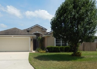 Foreclosed Home en CREEKFRONT DR, Green Cove Springs, FL - 32043