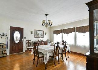 Foreclosed Home en TYRINGHAM RD, Eustis, FL - 32726