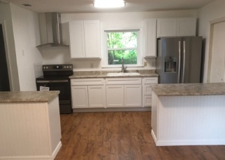 Foreclosed Home en NW EESTALUSTEE AVE, Micanopy, FL - 32667