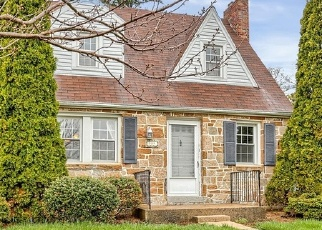 Foreclosed Home en HILLCREST RD, York, PA - 17403