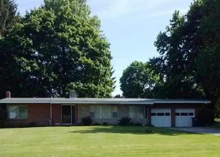 Foreclosed Home en COUNTRY CLUB RD, Red Lion, PA - 17356