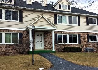 Foreclosed Home en PILGRIM PKWY, Elm Grove, WI - 53122