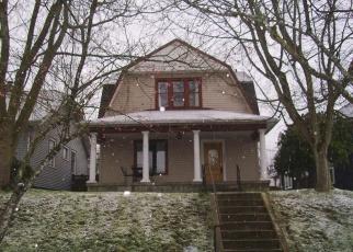 Foreclosed Home en ROCKEFELLER AVE, Everett, WA - 98201
