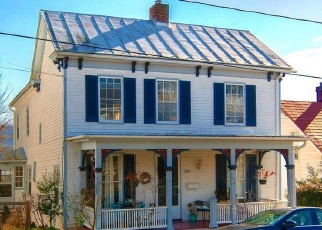 Foreclosed Home en N CHURCH ST, Woodstock, VA - 22664