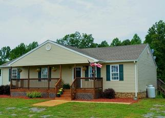 Foreclosed Home en SMITH MOUNTAIN LAKE PKWY, Huddleston, VA - 24104