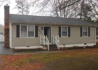 Foreclosed Home en HALLOWAY AVE, Petersburg, VA - 23803