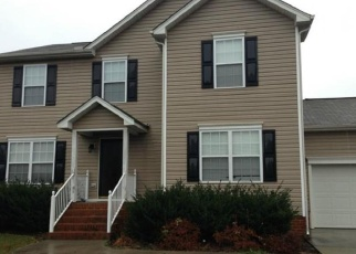 Foreclosed Home en DIAMOND RIDGE CT, Richmond, VA - 23231