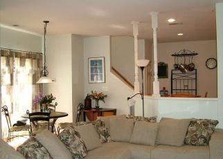 Foreclosed Home en DUNEIDEN LN, Manassas, VA - 20109