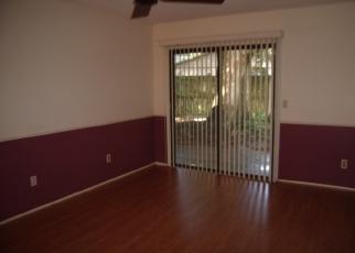 Foreclosed Home en LAKESIDE DR, Winter Springs, FL - 32708