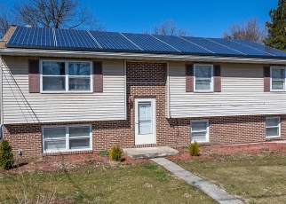 Foreclosed Home en S CHURCH ST, Robesonia, PA - 19551