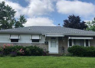 Foreclosed Home en PICKFORD DR, Dayton, OH - 45432