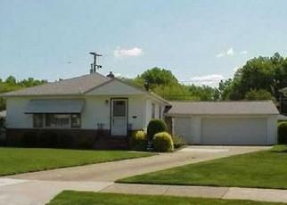 Foreclosed Home en DENNIS CIR, Cleveland, OH - 44121