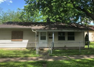 Foreclosed Home in CENTER ST, Fort Wayne, IN - 46808