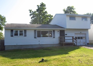 Foreclosed Home en GLENDALE AVE, Liverpool, NY - 13088