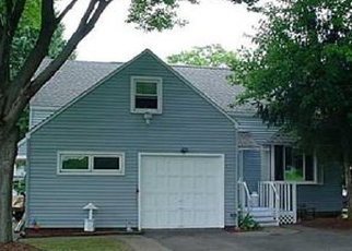 Foreclosed Home en RIDGEWOOD DR, Syracuse, NY - 13206
