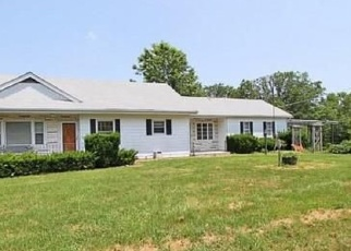Foreclosed Home en FLUCOM RD, De Soto, MO - 63020