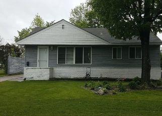 Foreclosed Home en YATES AVE N, Minneapolis, MN - 55429