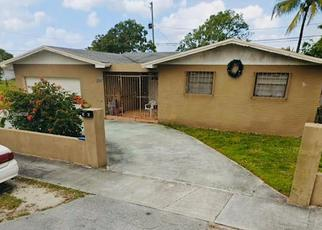 Foreclosed Home en NW 212TH ST, Opa Locka, FL - 33056