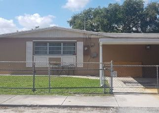 Foreclosed Home en NW 152ND TER, Opa Locka, FL - 33054