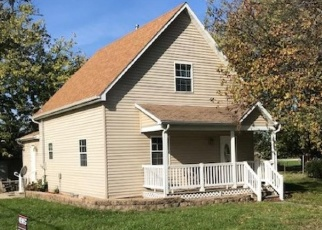 Foreclosed Home in S JACKSON ST, Blue Mound, IL - 62513