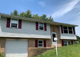 Foreclosed Home en BUTTONWOOD DR, Elizabethtown, PA - 17022