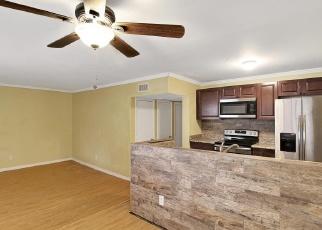 Foreclosed Home en PARADISE BLVD, Saint Petersburg, FL - 33706