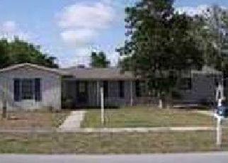 Foreclosed Home en HAGER ST, Deltona, FL - 32725