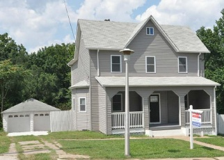 Foreclosed Home en SIPPLE AVE, Baltimore, MD - 21206