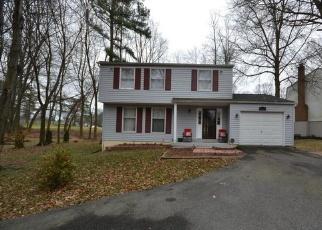 Casa en ejecución hipotecaria in Dumfries, VA, 22025,  FAIRWAY DR ID: P1317109