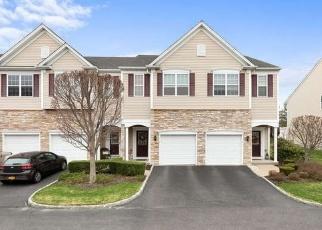 Casa en ejecución hipotecaria in Bay Shore, NY, 11706,  SUGAR PINE LN ID: P1318415