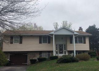 Casa en ejecución hipotecaria in Millersburg, PA, 17061,  PARK LN ID: P1325428