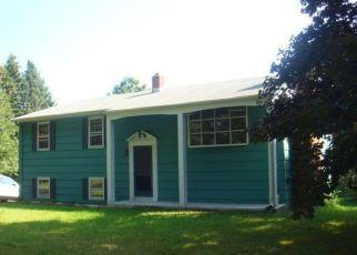 Casa en ejecución hipotecaria in Northford, CT, 06472,  VILLAGE ST ID: P1330741