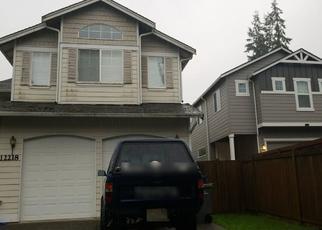 Casa en ejecución hipotecaria in Everett, WA, 98204,  30TH AVE W ID: P1332970