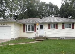 Casa en ejecución hipotecaria in Bay Shore, NY, 11706,  RHODE ISLAND AVE ID: P1334870