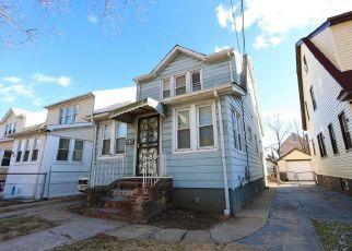 Casa en ejecución hipotecaria in Queens Village, NY, 11429,  111TH AVE ID: P1334930