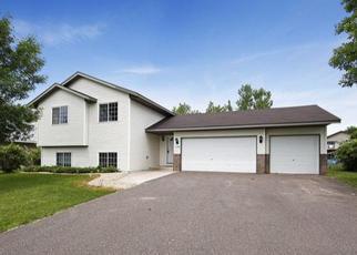 Casa en ejecución hipotecaria in Cambridge, MN, 55008,  10TH AVE SE ID: P1347733