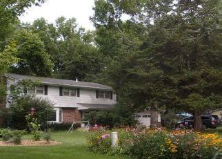 Casa en ejecución hipotecaria in Eden Prairie, MN, 55347,  CEDAR FOREST RD ID: P1349621