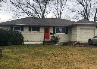 Casa en ejecución hipotecaria in Bay Shore, NY, 11706,  CONNECTICUT AVE ID: P1350608