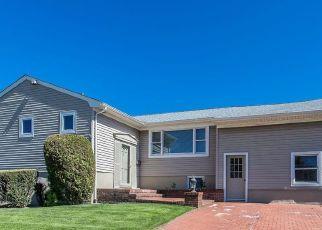Casa en ejecución hipotecaria in Valley Stream, NY, 11581,  SUNNYFIELD LN ID: P1358880