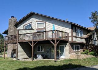 Casa en ejecución hipotecaria in Saint Paul, MN, 55124,  GRIFFON CT ID: P1367097