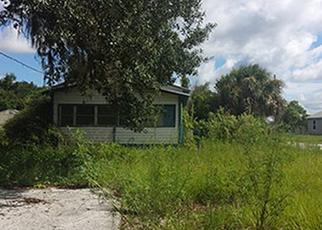 Casa en ejecución hipotecaria in Eustis, FL, 32726,  VIRGINIA AVE ID: P1378425