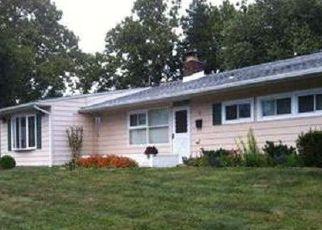 Casa en ejecución hipotecaria in Levittown, PA, 19057,  VINEYARD RD ID: P1387447