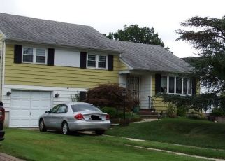 Foreclosure Home in Wantagh, NY, 11793,  REGENT LN ID: P1394320
